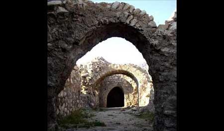 قلعه هزار درب آثار باستانی استان ایلام +تصاویر