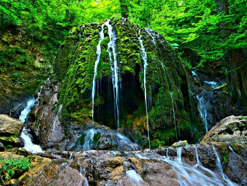 طبیعت بی نظیر در آبشار دیدنی و خارق العاده اسپهاو+تصاویر