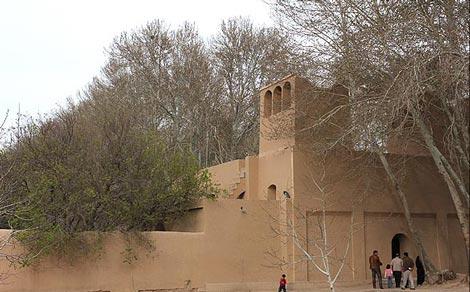گردشی تاریخی و به یادماندنی در باغ پهلوان یزد+تصاویر