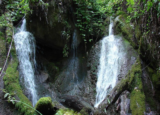 تفریح در آبشارهای دیدنی نومل گرگان +تصاویر