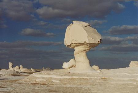کویر سفید یکی از عجایب طبیعت در مصر+تصاویرجالب