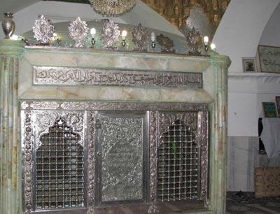 آشنایی با امامزاده پیرعمر در سنندج+ تصاویر