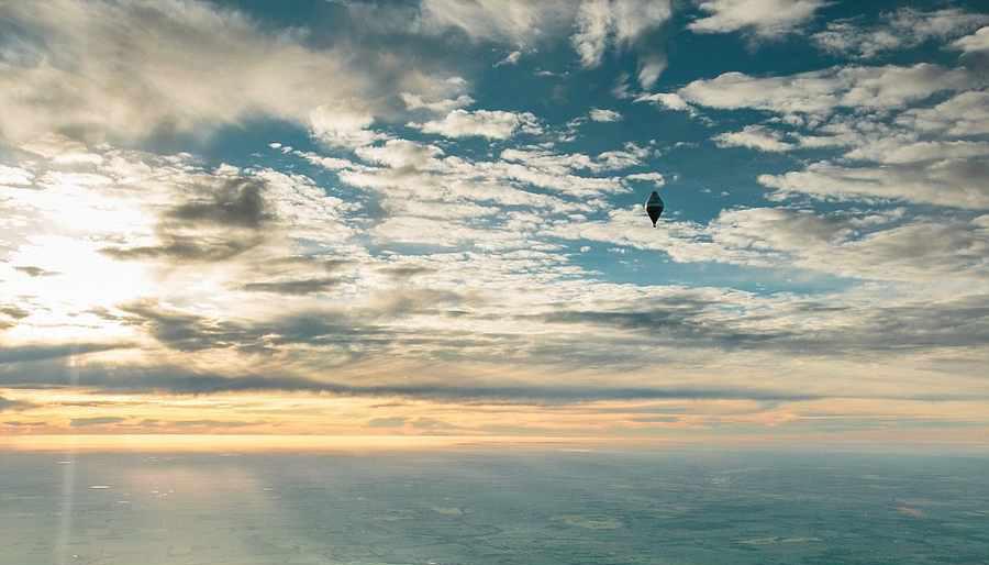 برنامه ریزی سفر۱۱روزه به دور دنیا با کشیش ارتودوکس+تصاویر