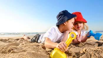 سفر ساحلی ایده ال و بدون درد سر با کودکان / نکات مهم سفر ساحلی+تصاویر