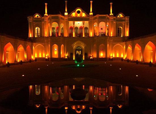 باغ فتحآباد عمارت سپیدرنگِ باشکوه در دل کویر ایران+تصاویر