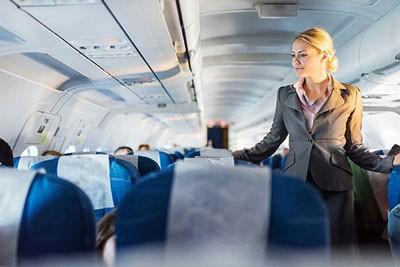 نکات بسیارمهم ودر عین حال کوچک برای پیشگیری از بیمار شدن در هواپیما +تصویر