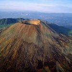 خطرناکترین و زیباترین و شگفت انگیزترین آتشفشانها + تصویر