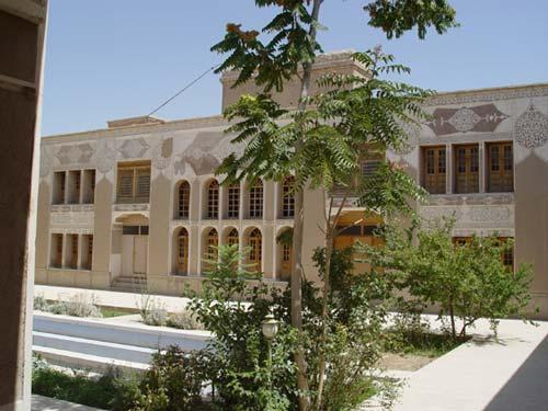 گشتی در جاذبه ها و دیدنیهای بی نظیر شهر بابک +تصاویر
