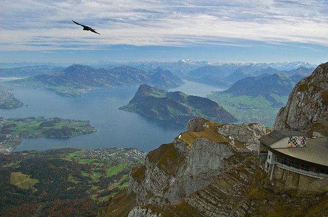 سوئیس و جاذبه های گردشگری زیبا ،دیدنی و بی نظیرش + تصاویر