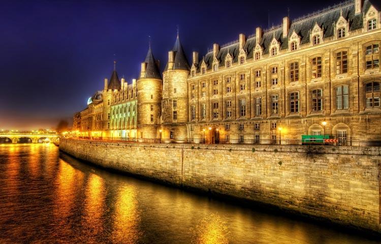 راهنمای سفر به پاریس