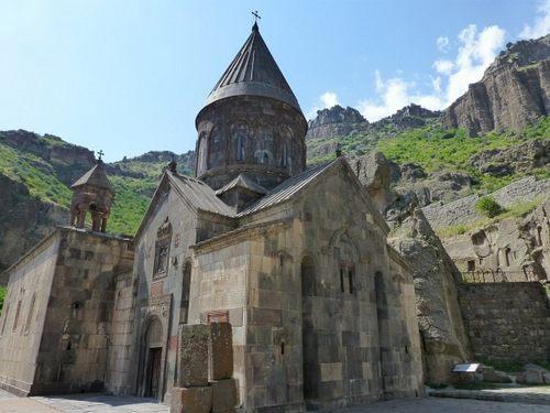 کلیسای گغارت ارمنستان و این جاذبه تاریخی زیبا+ تصاویر