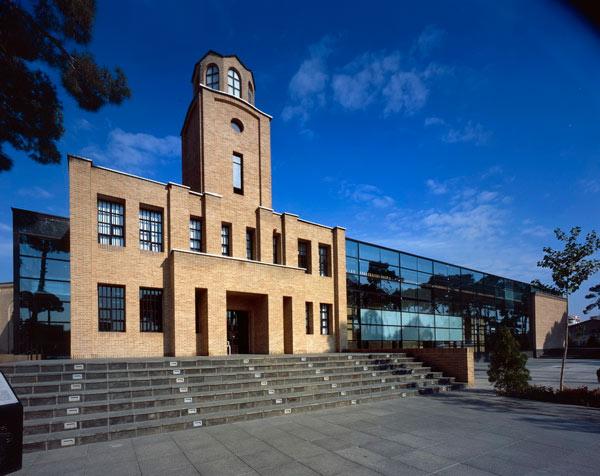 باغ موزه قصر موزه ای که هم زندان و هم قصر بود