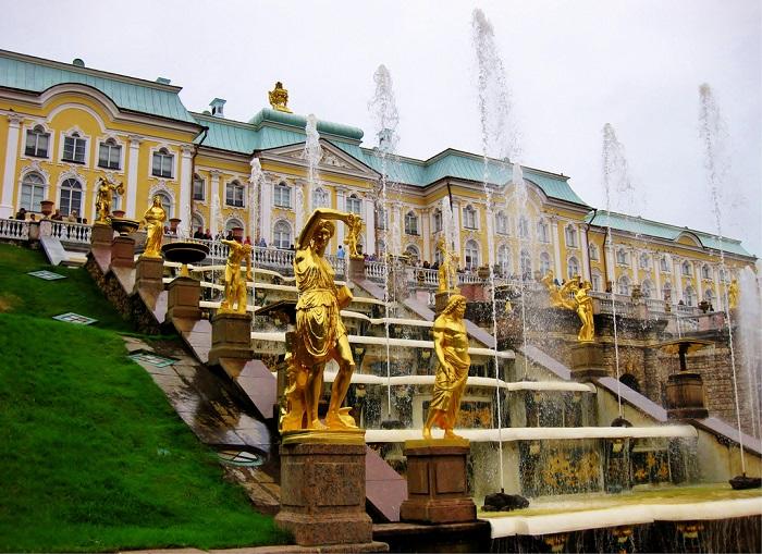 کاخ پترهوف روسیه