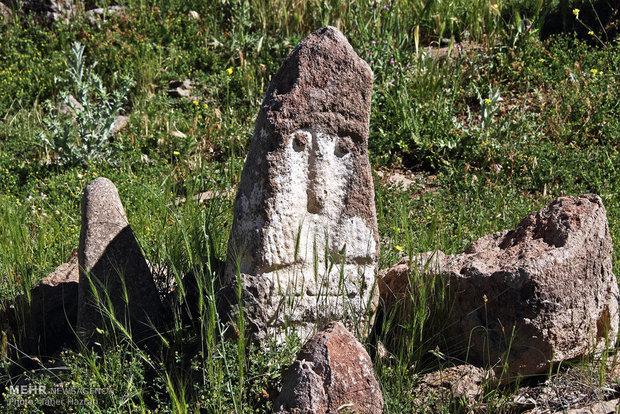 دیدنی های قبرستان دانسفهان