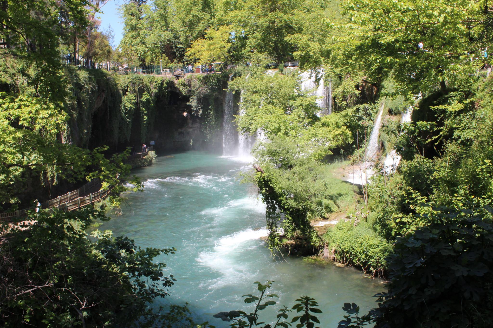 آبشار دودن