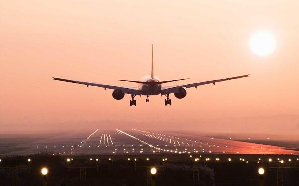 در سفر های هوایی بلیط هواپیمای چارتر بهتر است یا سیستمی