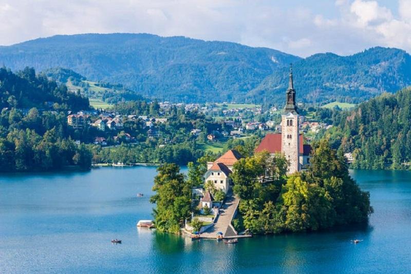 مکانهای تفریحی و جاذبه های دیدنی شهر بلد اسلوونی