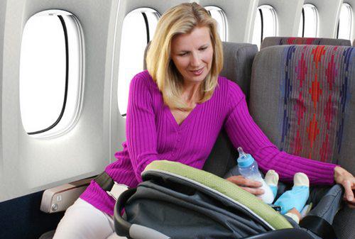 چگونه میتوانید برای سفر هوایی با نوزاد آماده شوید
