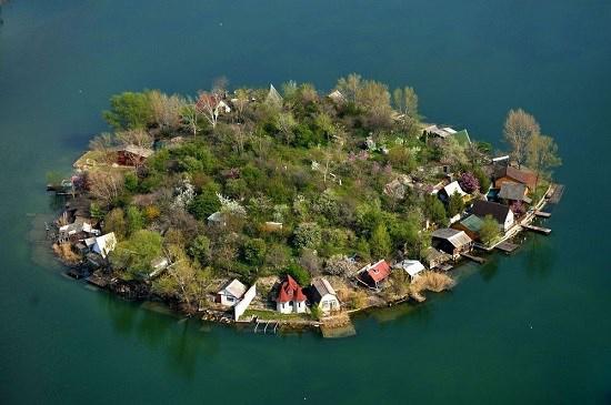 دریاچه تماشایی کاویکسوز در مجارستان را بشناسید