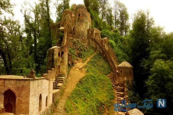 قلعه رودخان فومن را بعد از طی صدها پله فتح کنید