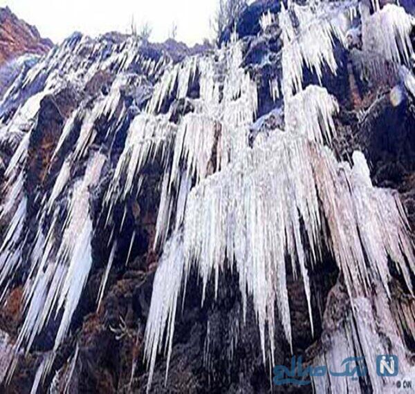 آبشار یخزده و قندیلهای یخی مشهد