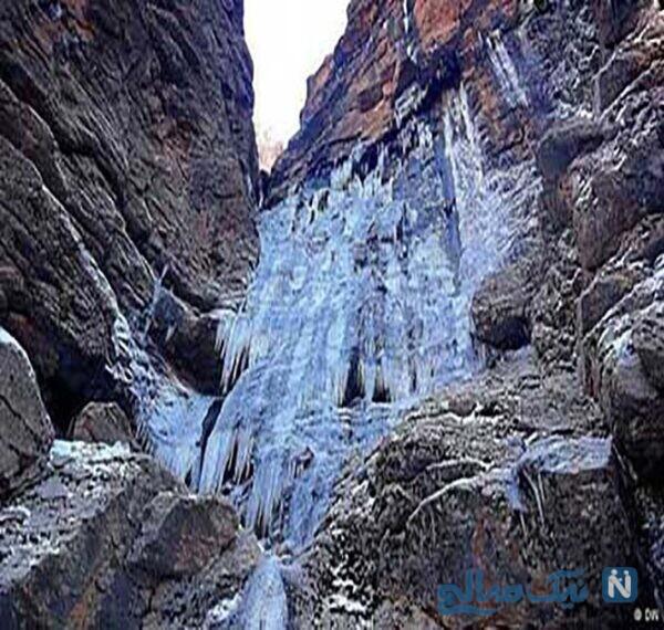 آبشار یخی نوا آمل-لاریجان در استان مازندران