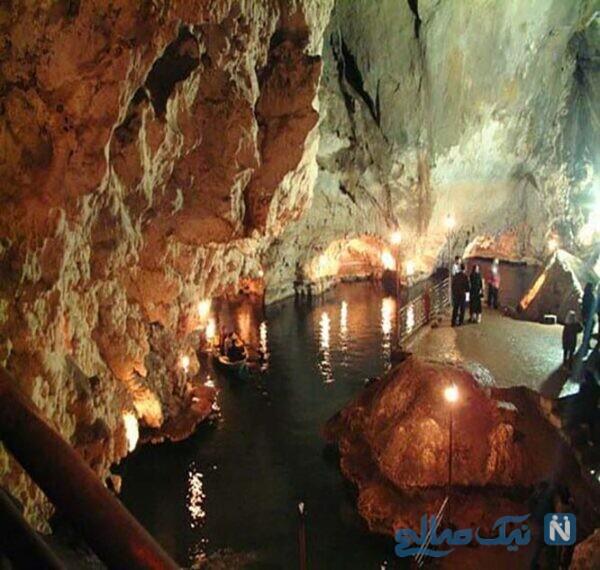 آب داخل غار