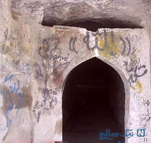 مسجد و گورستان باستانی