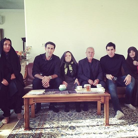 """شهرام محمودی"""" ستاره والیبال """" در کنار پدر و مادرش"""