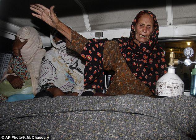 زن پاکستانی به جرم دوست داشتن سنگسار شد+ تصاویر