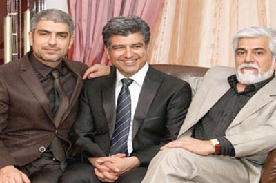 مهدی پاکدل در کنار برادرانش +عکس