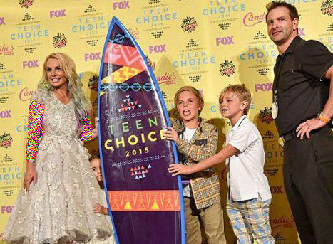 «بریتنی اسپیرز» خواننده مشهور آمریکا و فرزندانش+تصاویر