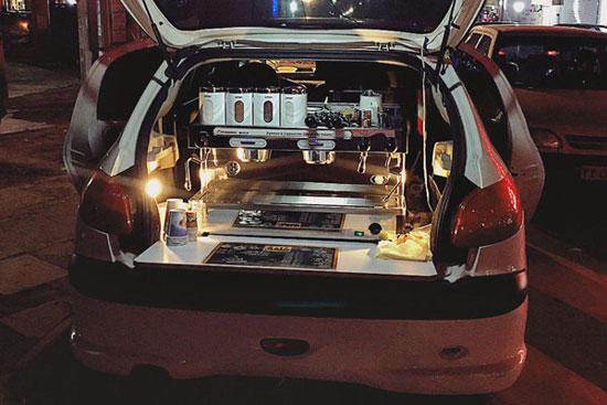 افتتاح یک کافی شاپ در صندوق عقب ۲۰۶!+تصاویر