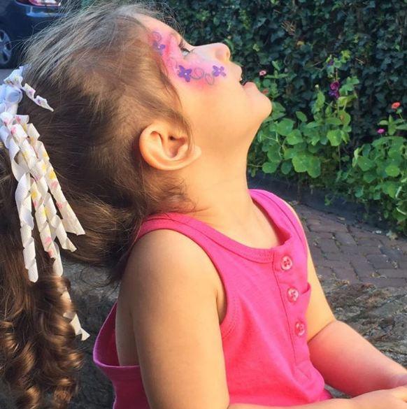 نمایی زیبا و دیدنی از دختر شاهرخ استخری!+عکس