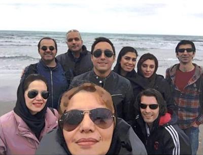 سلفی الهام پاوه نژاد و امیرحسین رستمی در ساحل+عکس