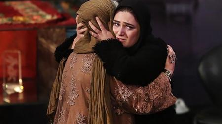 اشک های باران کوثری در آغوش مادرش+ تصاویر
