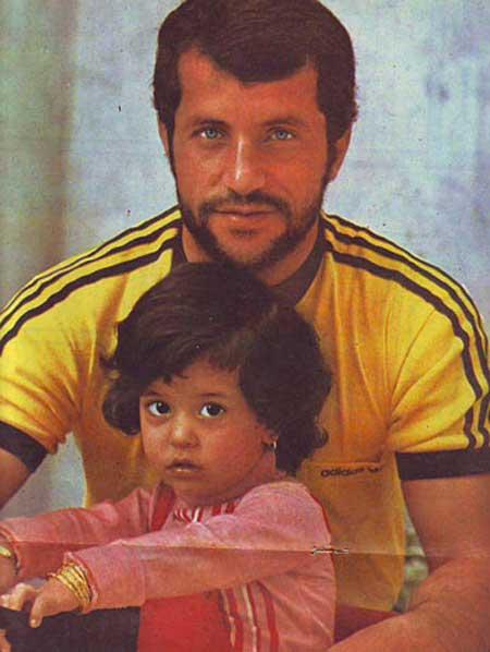 علی پروین و دخترش در دهه ۶۰ شمسی + عکس