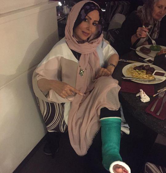 پرستو صالحی با پای شکسته در تولد مادرش!+تصاویر