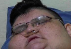 چاق ترین مرد روی زمین به وزن ۵۰۰ کیلوگرم را ببینید!+عکس
