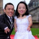 ازدواج و سفر کوتاه ترین زوج جهان به کشور انگلیس!+تصاویر