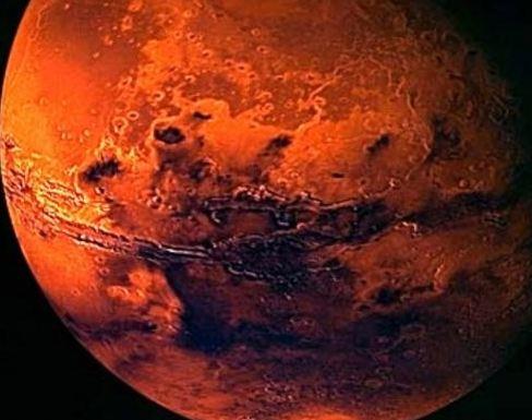 سیاره مریخ و کشف عجیب یک جنازه زن بر روی آن!+عکس