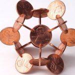 مجسمه هایی که از سکه های متقاطع ساخته شده اند!+تصاویر