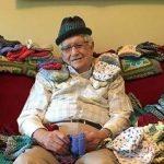 بافتن کلاه برای نوزادان نارس توسط پیرمرد 86 ساله!+تصاویر