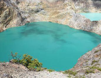 دریاچه ای نزدیک آتشفشان در کشور پهناور اندونزی را ببینید!+تصاویر