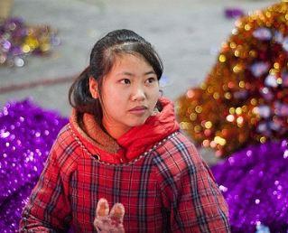 کارگاه ساخت درختان کریسمس مخصوص سال نو میلادی!+تصاویر
