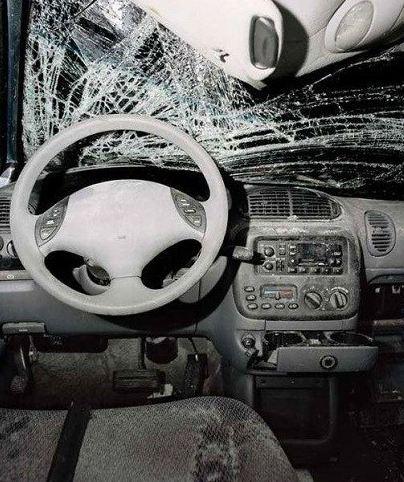 تصادف اتومبیل و شکلی که اتومبیل بعد از حادثه پیدا می کند!+تصاویر
