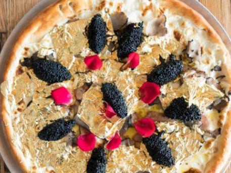 گران قیمت ترین پیتزا جهان را با طعم طلا را ببینید!