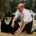 رئیس جمهور روسیه و بادیگارد استثنایی وی را ببینید!