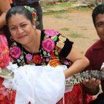 ازدواج کردن شهردار با یک تمساح در مکزیک!+تصاویر