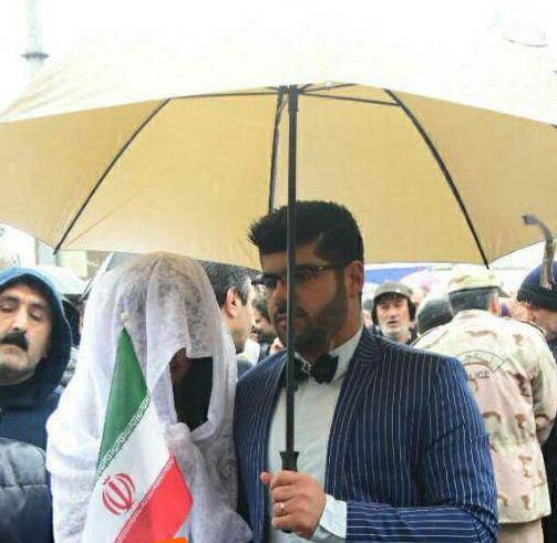 راهپیمایی ۲۲ بهمن از حضور عروس و داماد تا ماکت دونالد ترامپ!+تصاویر